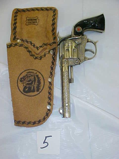 3005: Hubley tex die cast cap gun