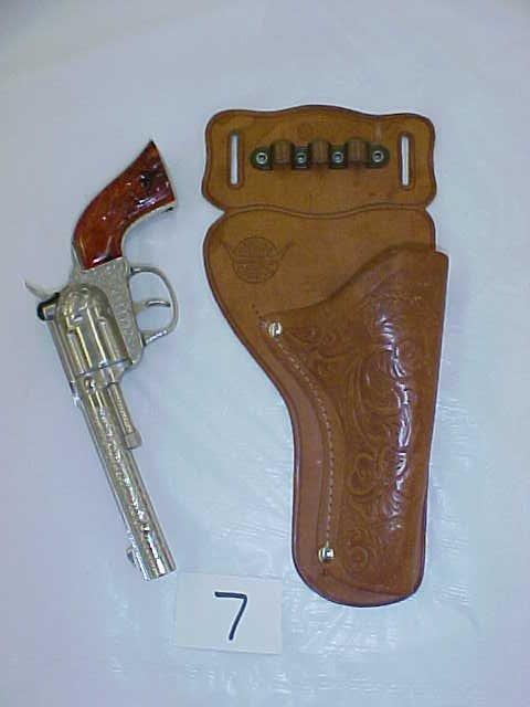3007: Hubley Rodeo die cast cap gun