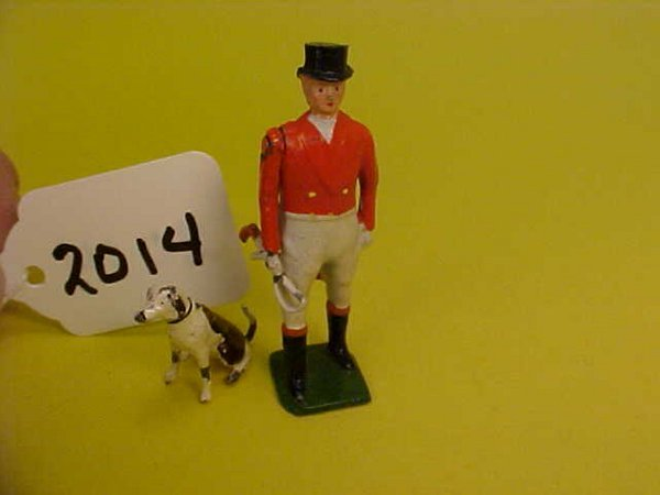 2014: Britains the meet, standing huntsman and hound