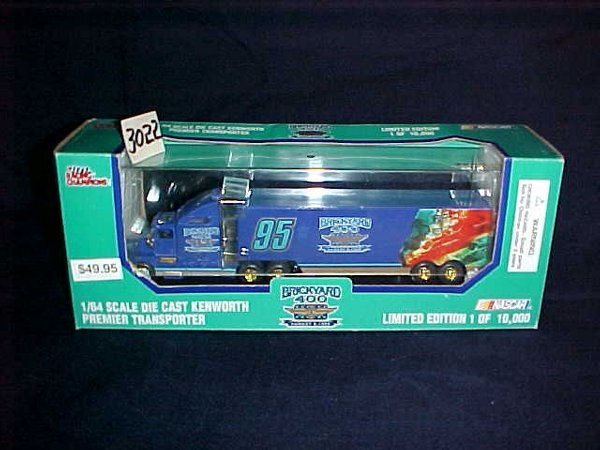 3022: Nascar Racing Champions 1:64 scale