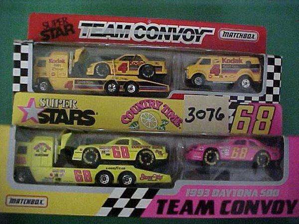 3076: 2 items matchbox nascar Hauler with car and van