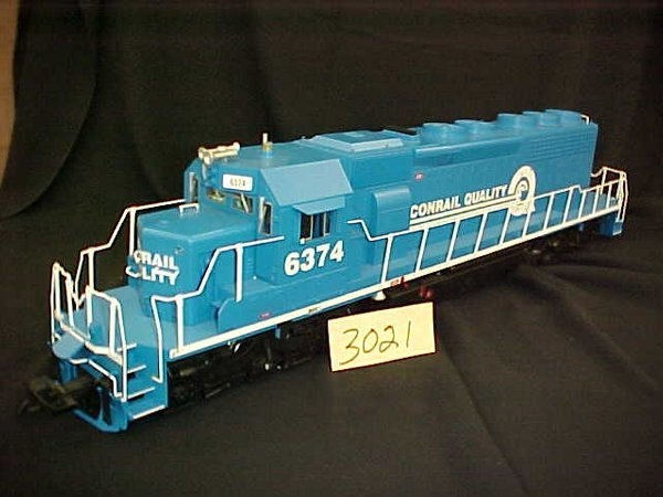 3021: USA Trains Conrail Train G-scale Engine