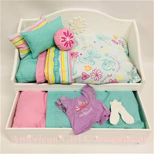 American Girl Doll Dreamy Daybed and Bedding