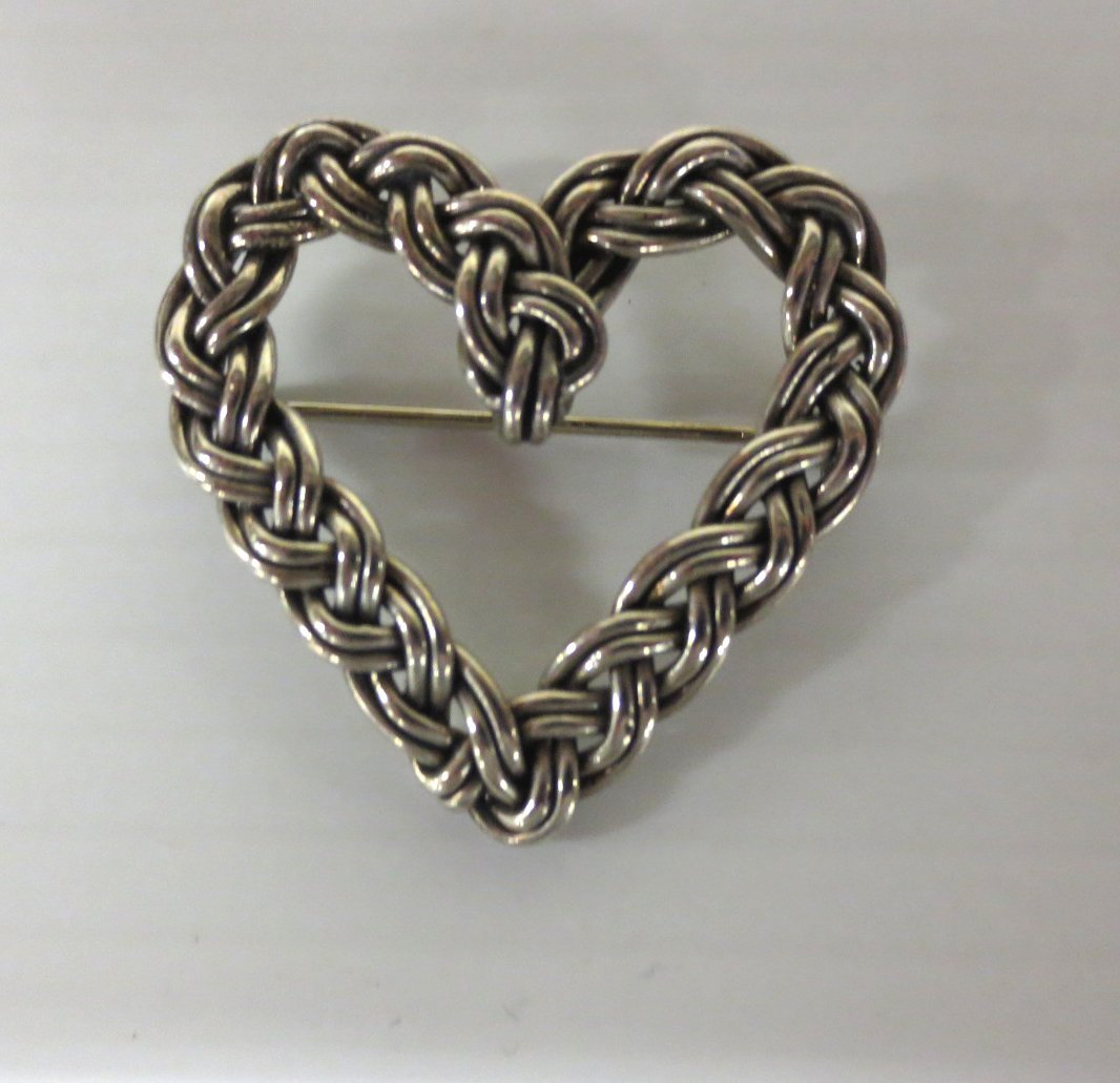 Sterling Silver knotted Heart pin
