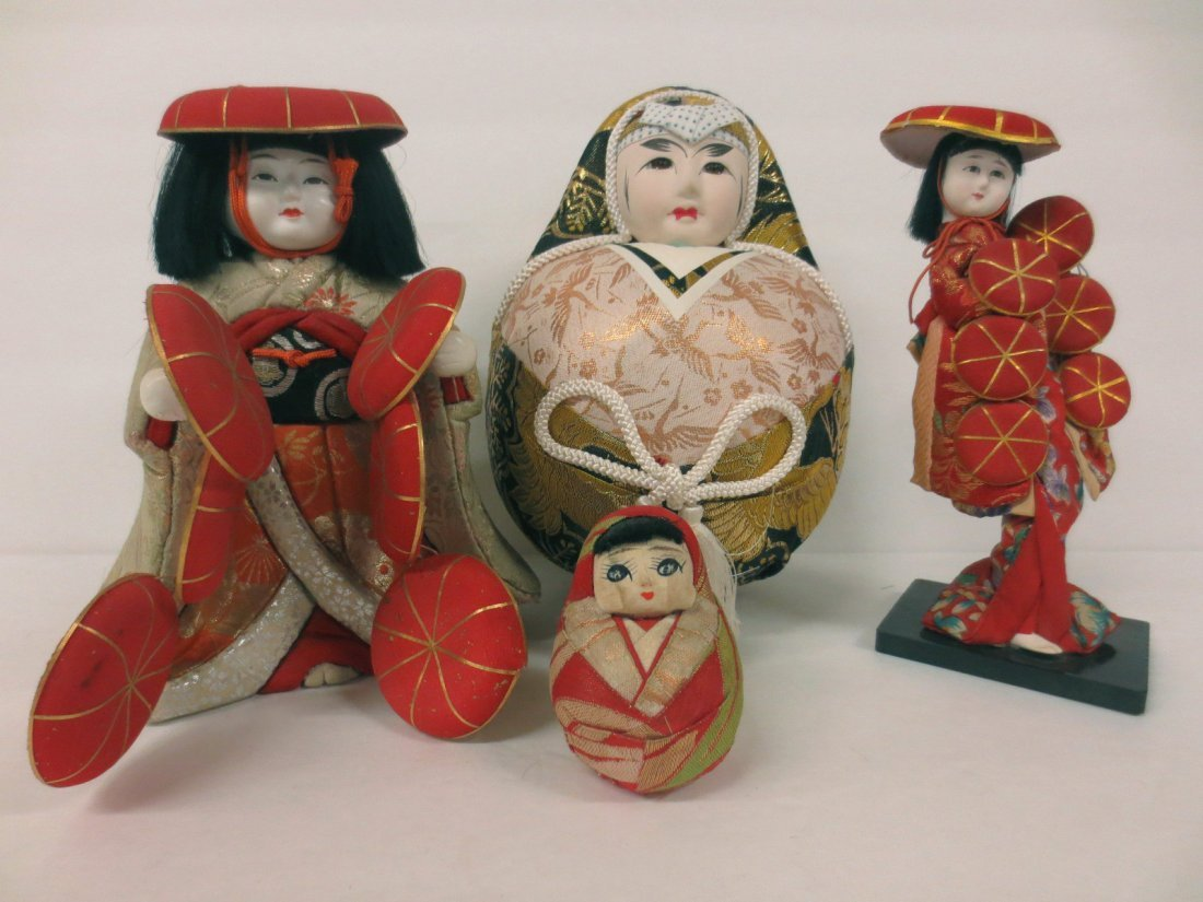 extensive Japanese doll collection - 4
