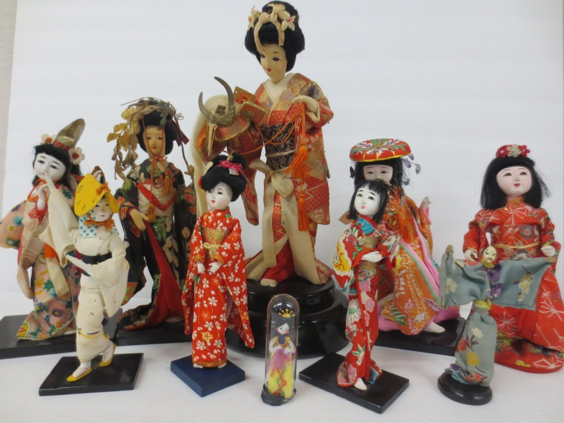 extensive Japanese doll collection - 6