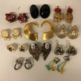 Costume Jewelry: Vintage Earrings