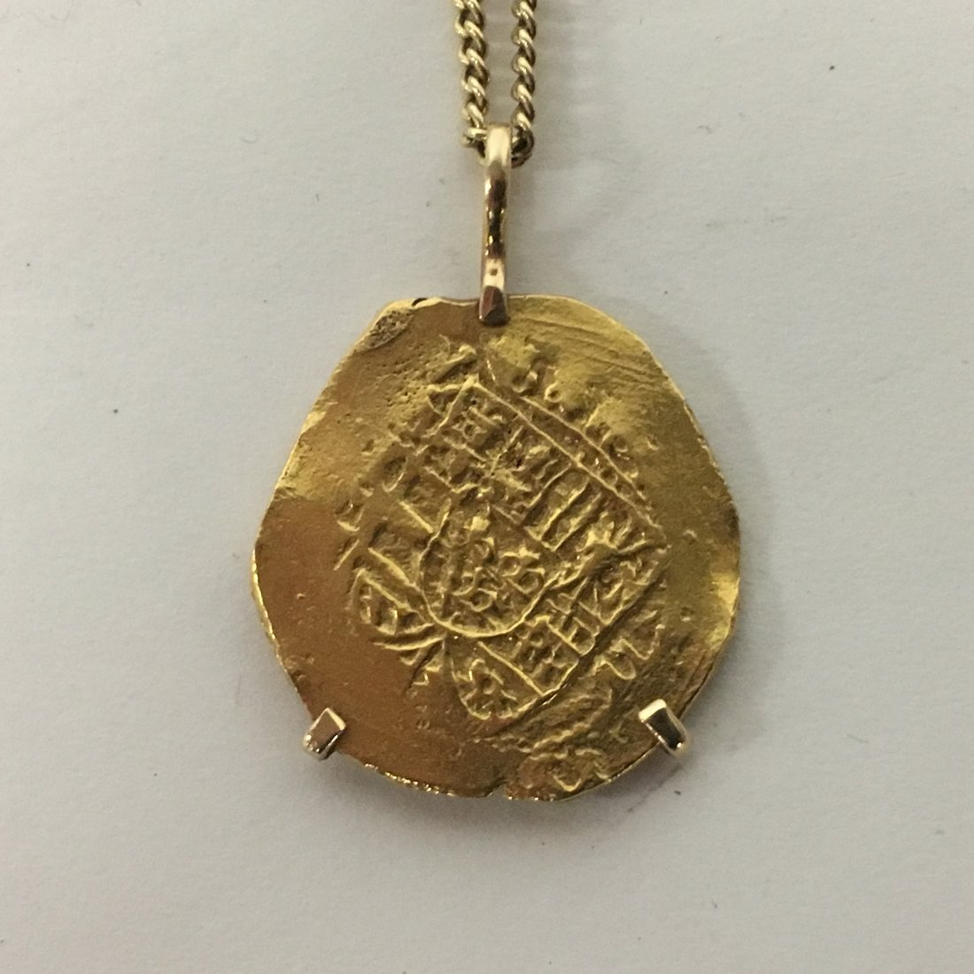 22k gold coin pendant necklace