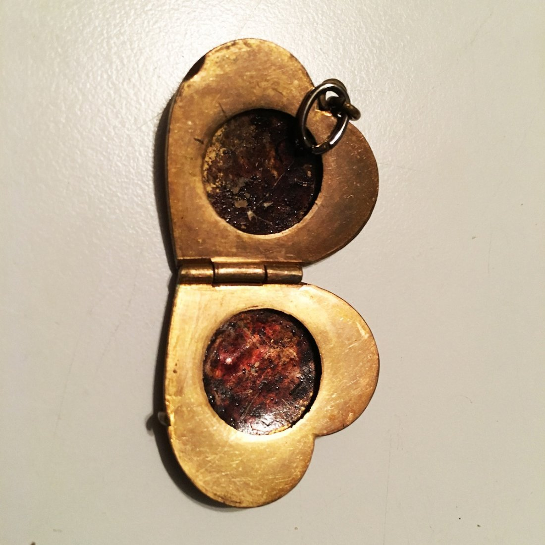 Two antique lockets - 3