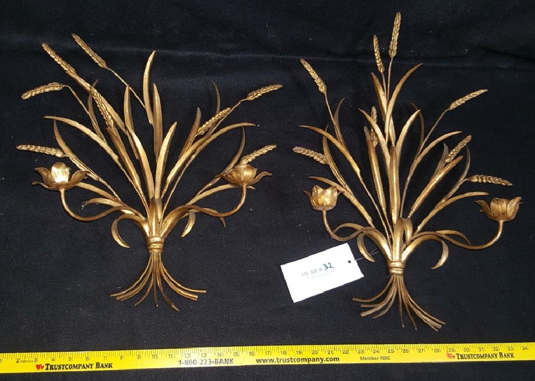 A Pair of Gilt Floral Wall Sconces - 2