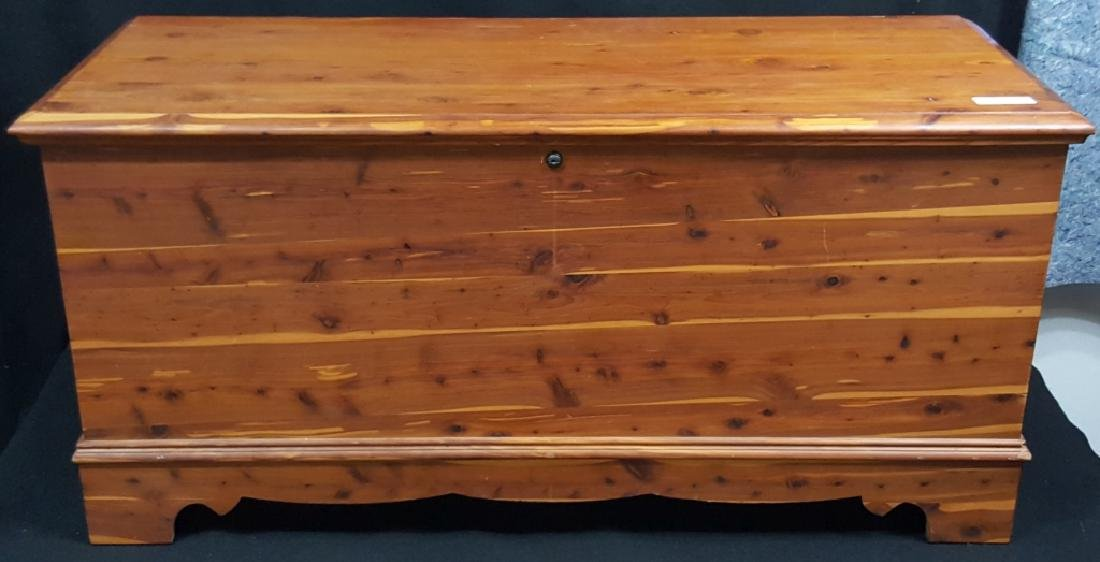Lane Cedar Chest , Aroma Tested!!