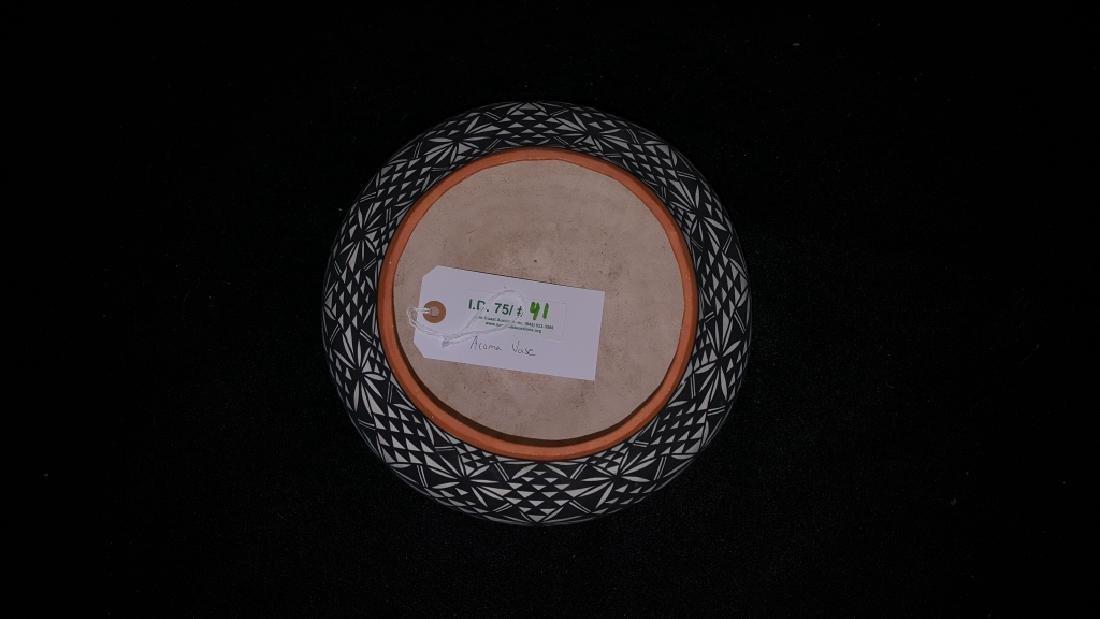 Acoma N.M. Signed I. Chino Pottery Vase - 3