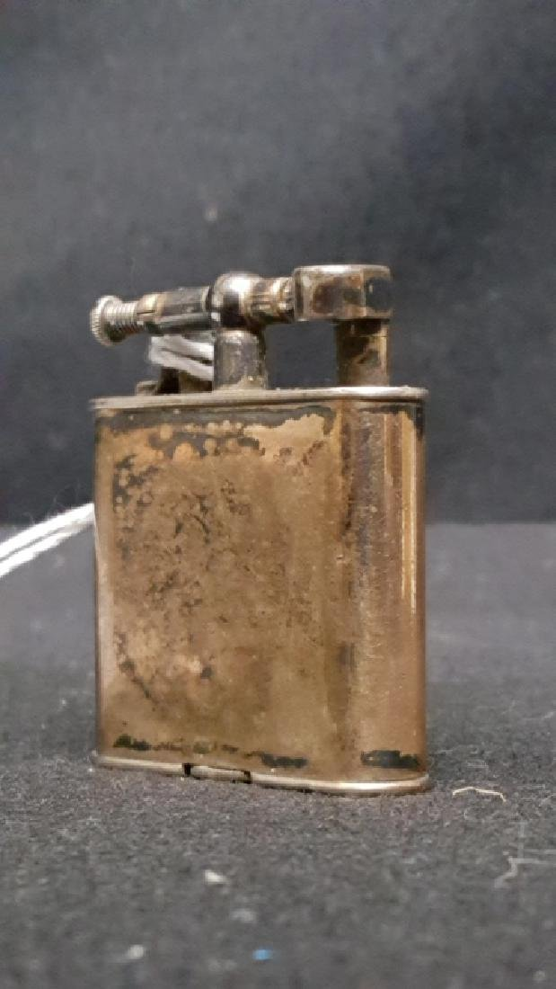 A VINAGE DUNHILL UNIQUE LIGHTER
