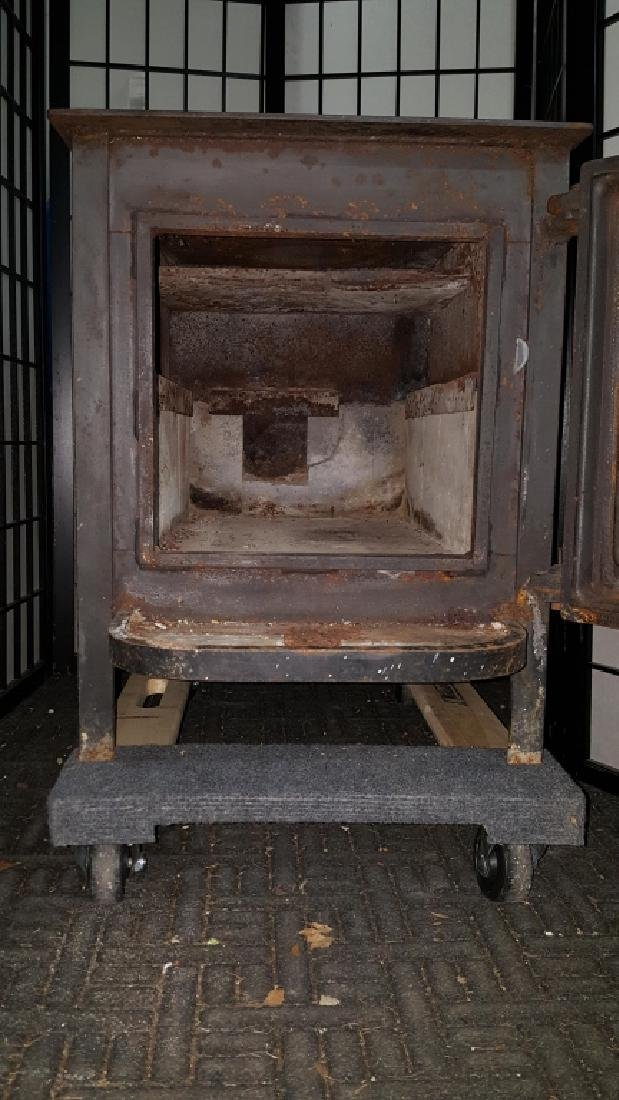 "Old Mill Cast Iron Wood Burning 24"" Log Stove - 3"