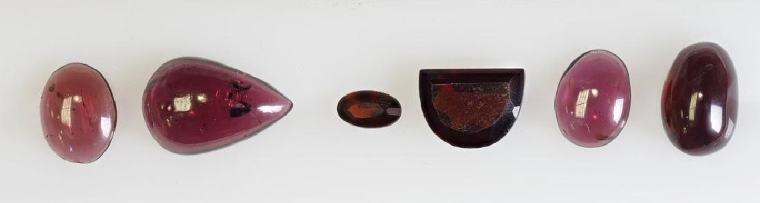 Assorted 10ct Garnet, Gemstones