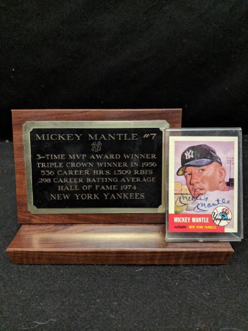 Mickey Charles Mantle Signed Topps Baseball Card