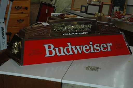 Rare Vintage Budweiser Pool Light - Vintage budweiser pool table light