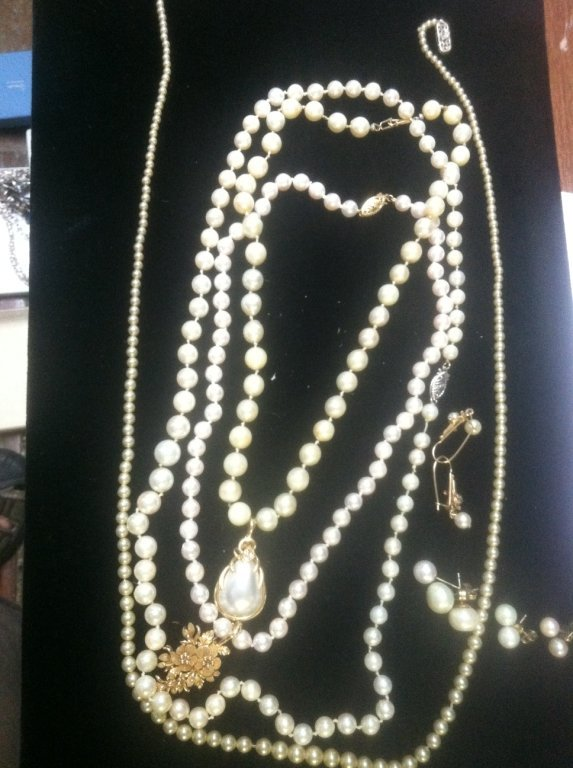 Pearl & Gold Jewelry lot