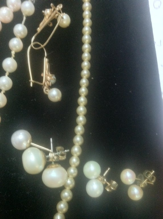 Pearl & Gold Jewelry lot - 6