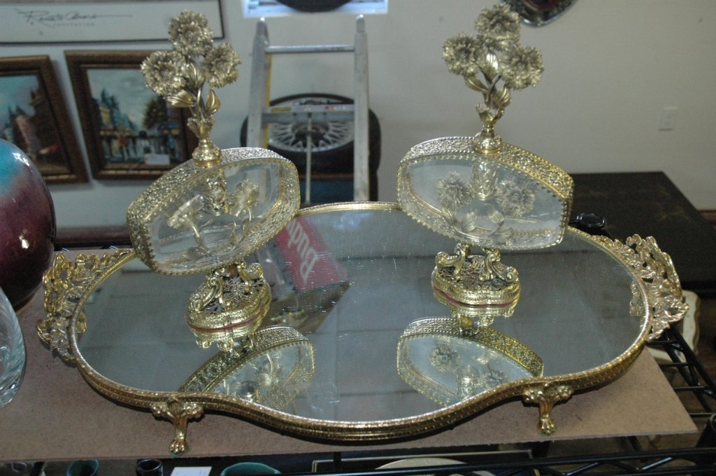 Mirrored dresser tray with 2 perfume bottles
