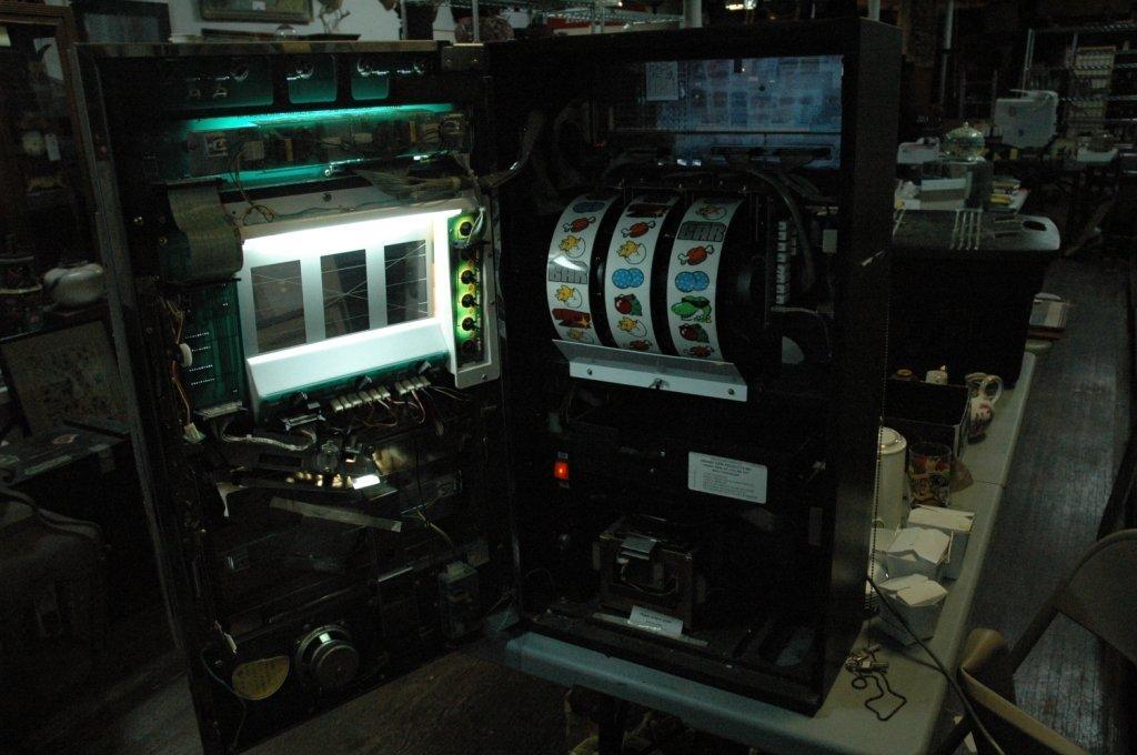 "Grandview "" Dyno "" Pachinko token slot machine - 9"