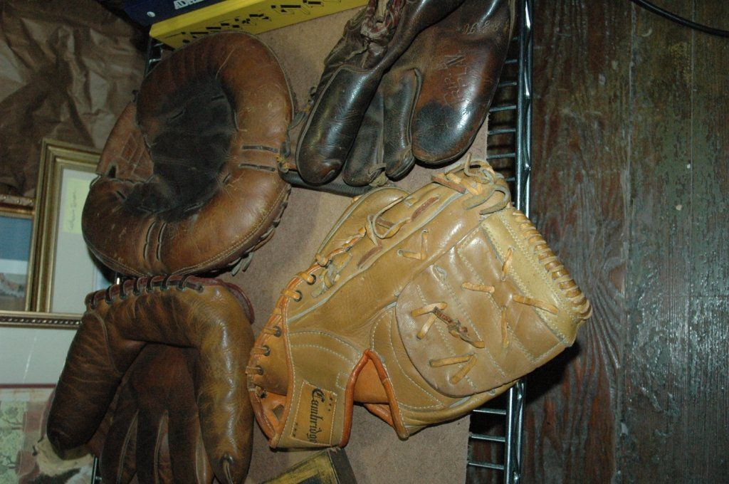 Vintage baseball glove lot