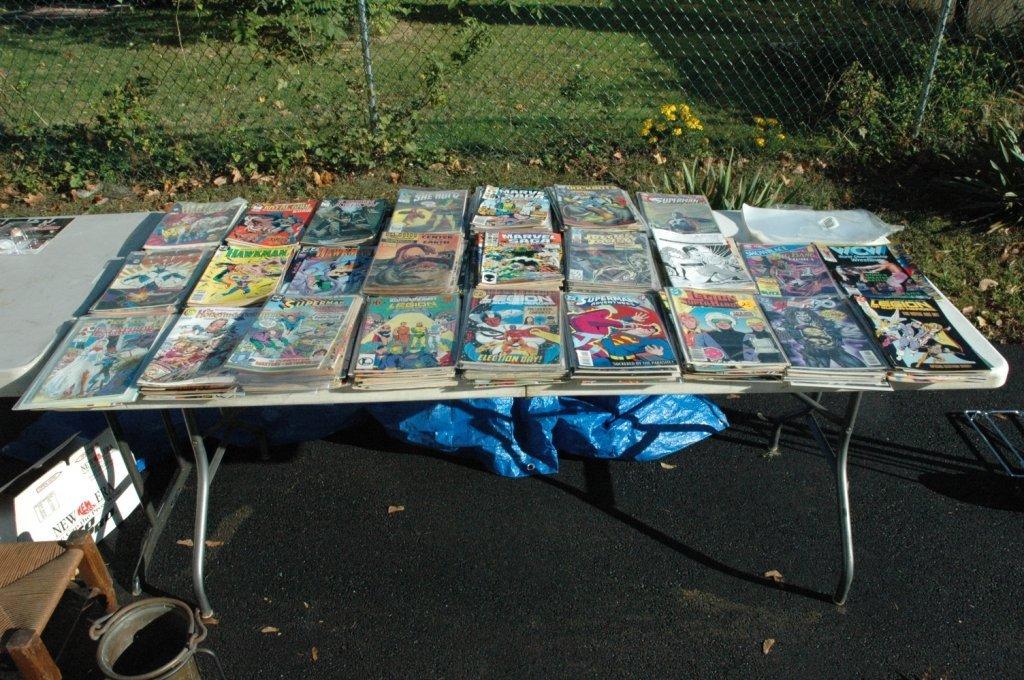 Lot of over 200 comics