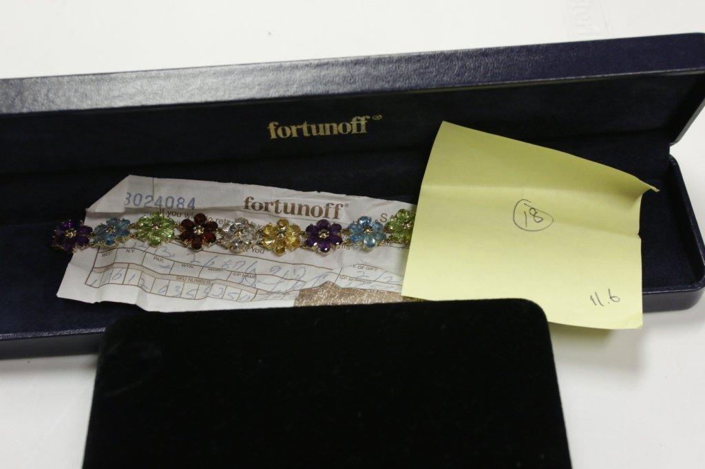 14K gold bracelet with floral design