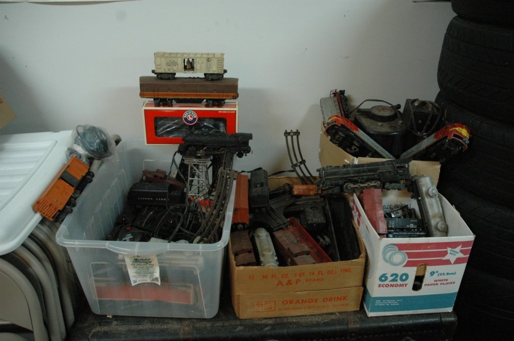 Giant Collection of Lionel Trans, Tracks, Controls