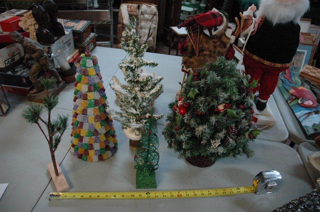 5 piece Christmas Tree lot