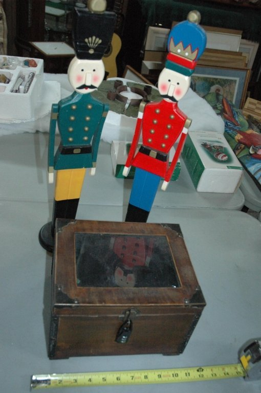 Wooden soldiers & Mini Strong Box