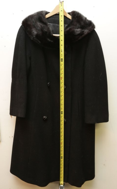 """43"""" Womens winter coat with faux fur collar"""
