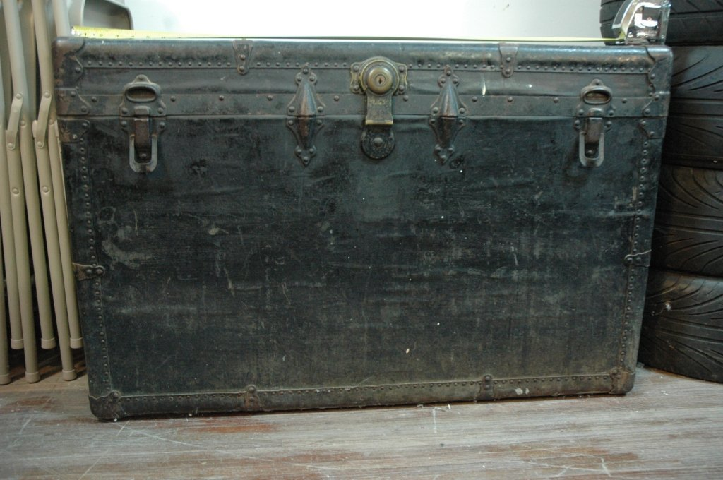 LARGE Antique Steamer trunk with keys!!!