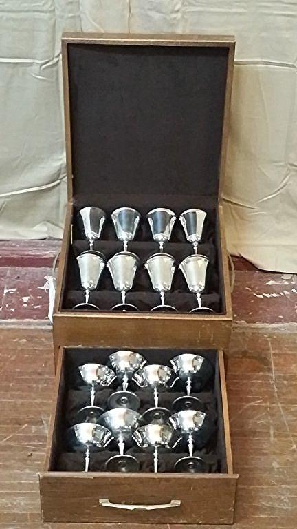 Set of 16 Silver Plate by E.L. de Uberti, Italy