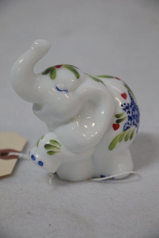 A Fenton art glass elephant