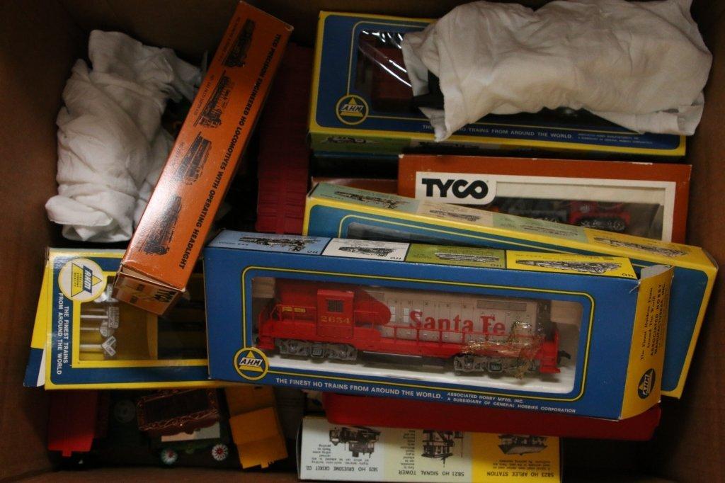 "Marx ""Ho"" Train Set, AHM Trains & Parts,TYCO, &.. - 4"