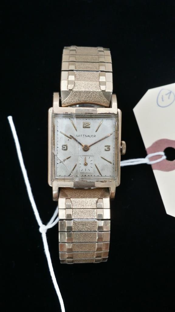 A vintage Gent's Wittnauer wristwatch