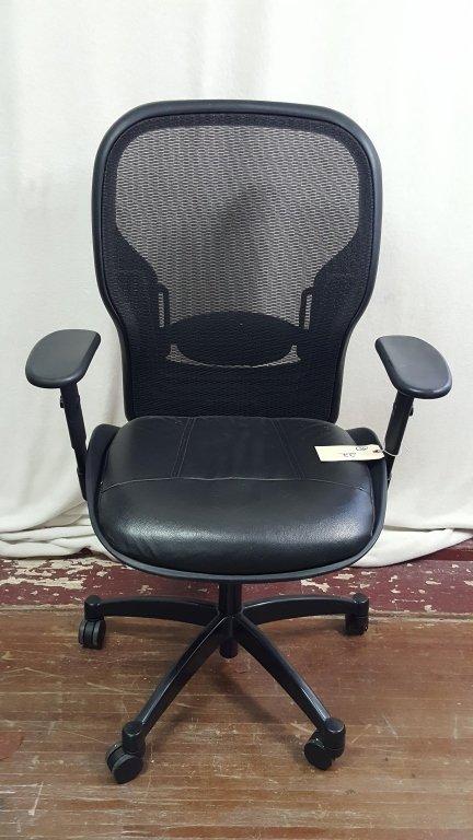 Rolling desk office chair