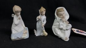 Lladro Porcelain Baby In A Blanket With 2 Angels