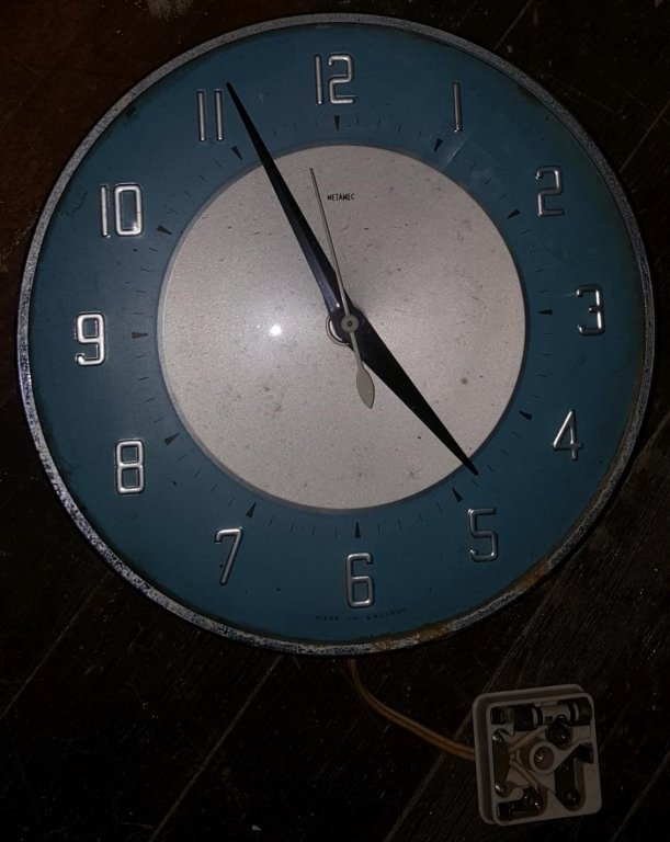 "A ""Metamec"" England Wall Clock"