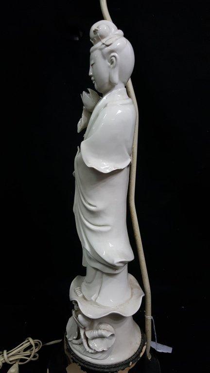An Antique Chinese Blanc De Chine Statue Kwan Yin - 3