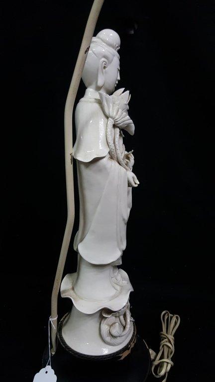 An Antique Chinese Blanc De Chine Statue Kwan Yin - 5
