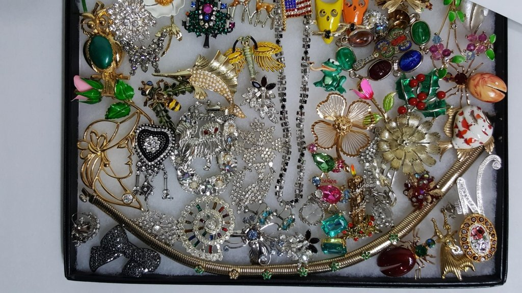 Designer Polished Stone & Enamel On Metal Jewelry - 2