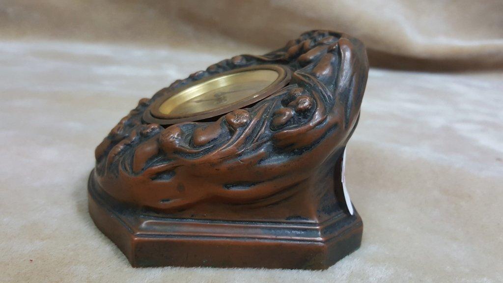 Unsusal Sleeping Babies Bronze Desk Clock - 2