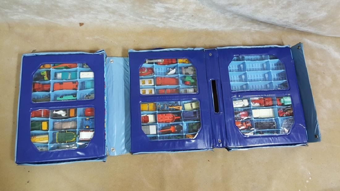 1968 Matchbox Deluxe Collector's Case & Cars - 2
