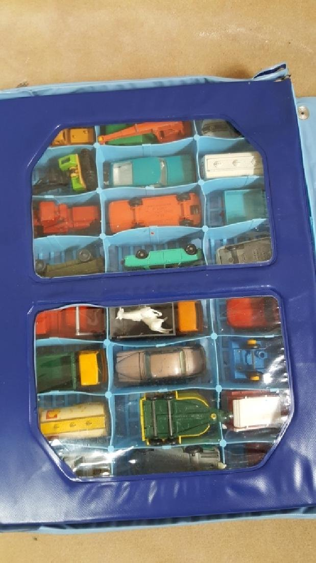 1968 Matchbox Deluxe Collector's Case & Cars - 3