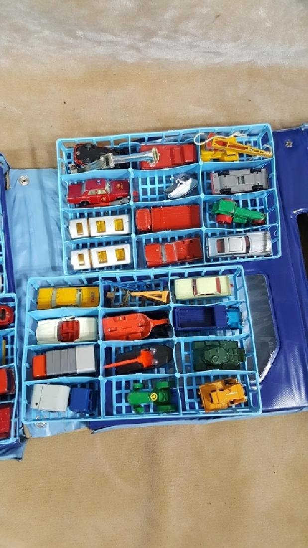 1968 Matchbox Deluxe Collector's Case & Cars - 5
