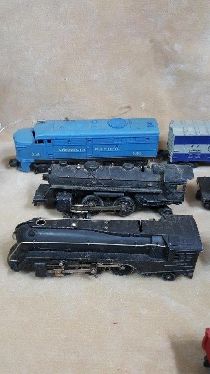 Lionel Trains; BLT B-57, Black 1684 / 221, & MORE - 2