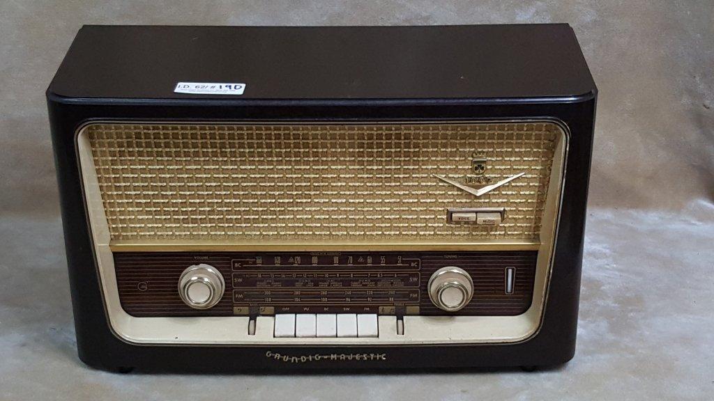 Bakelite Grundig Majestic Radio