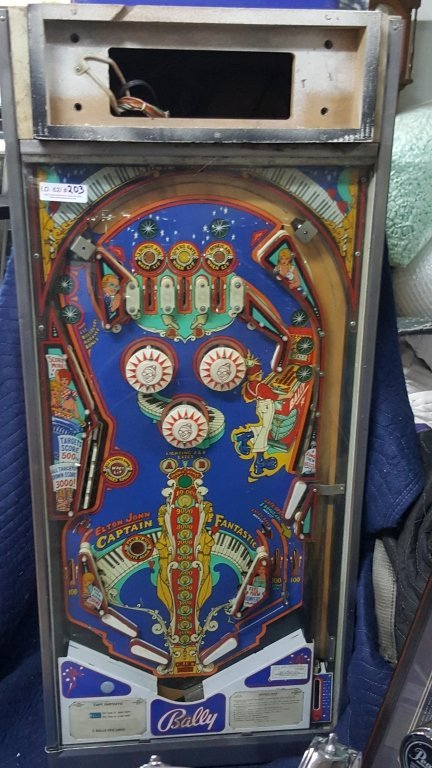 1976 Elton John Captain Fantastic Pinball Machine - 2
